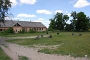 Земельна ділянка з конюшнею в с.Тарасово