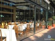 Безрамное остекление ресторанов,  беседокот производителя PanoramGlass