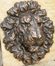 Декор для фасада барельеф голова льва из бетона