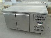 Продам двухдверный холодильный стол Tefcold бу для кафе