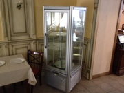 Продам кондитерскую витрину Tecfrigo Prisma 400 бу для кафе