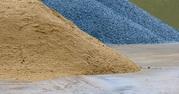 Щебінь,  пісок,  цегла,  блоки