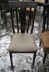 Продам деревянные стулья с сидушкой кожзам бу для кафе