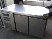 Продам двухдверный холодильный стол бу для кафе